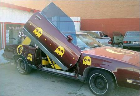 cool_pac_man_car_1.JPG
