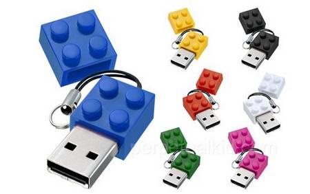 Build Block USB Flash Drive just like LEGO brick