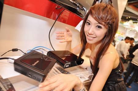 gadgets_show_girls_21.jpg