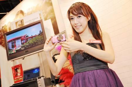 gadgets_show_girls_26.jpg