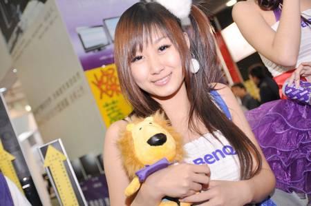 gadgets_show_girls_36.jpg
