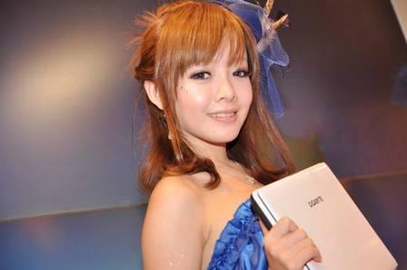 gadgets_show_girls_7.jpg