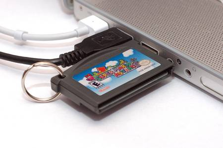 GBA cartridge-shaped USB flash drive