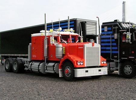 lego_optimus_prime_truck_2.jpg