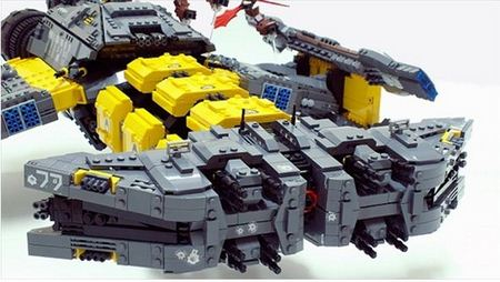lego_starcraft_terran_battlecruiser.JPG