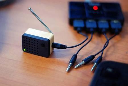 Micro Wooden Motz FM Radio