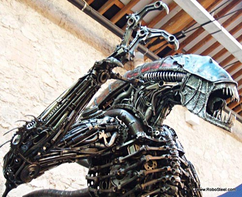 alien_robosteel_steel_sculptures_1.jpg