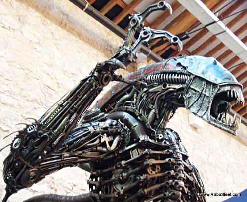 alien_robosteel_steel_sculptures_1.jpg
