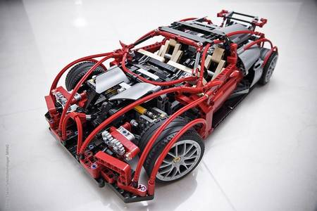 LEGO bricks version Bugatti Veyron