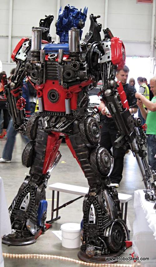 optimus_prime_robosteel_steel_sculptures_2.jpg