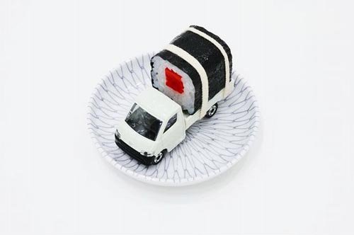 paramodel_tommy_sushi_toy_truck_1.jpg