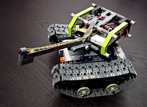 Remote control PicAxe LEGO tank