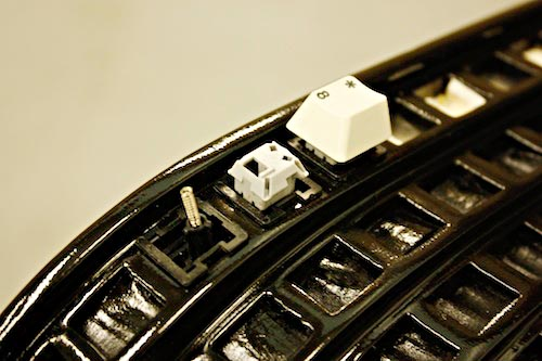 Nolan Herbut's Wolfgang Keyboard Bench covered over keys