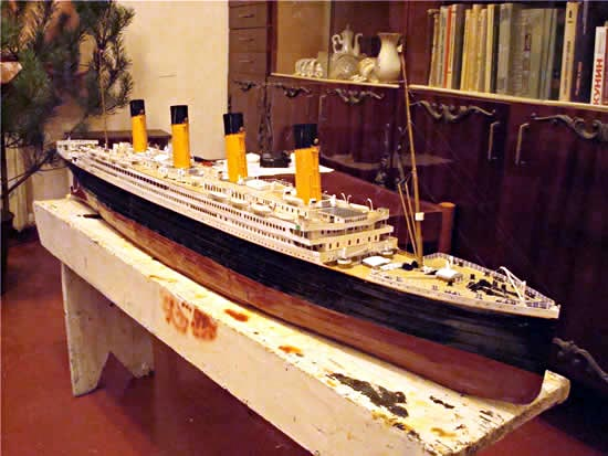064b4f8d Ultimate Paper Craft 1/200 RMS Titanic | Gadgetsin