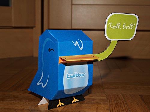 paper Twitter figure