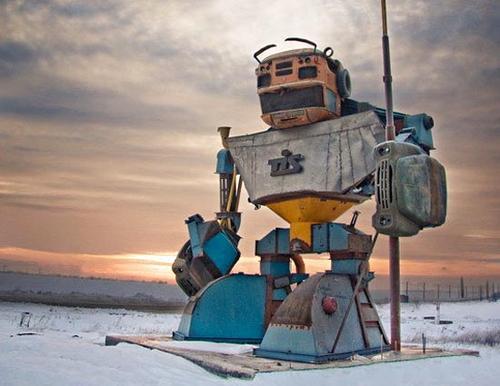 Huge autobot guard from Ukraine