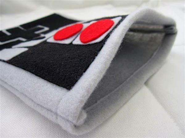 iPad Sleeve Shaped as Nintendo NES Controller | Gadgetsin