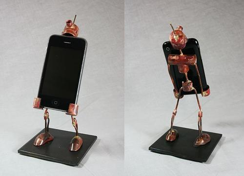 iPhone Stand Robot