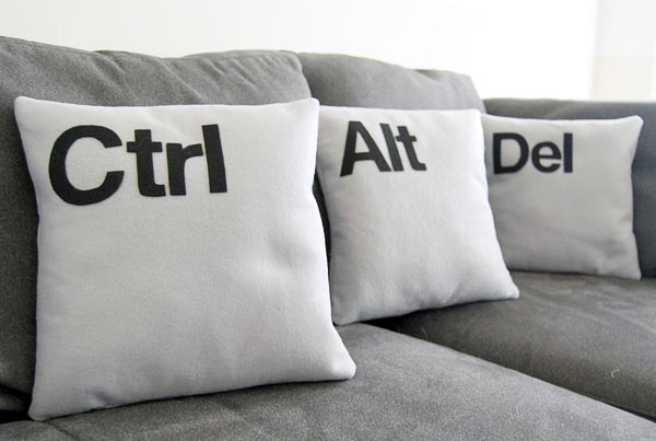 Ctrl Alt Del Pillow Set