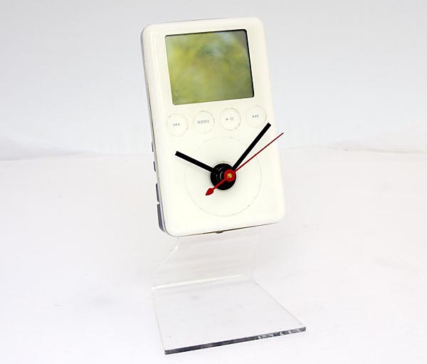 Recycled iPod Clock