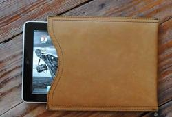 Saddleback Leather Ipad Sleeve Gadgetsin
