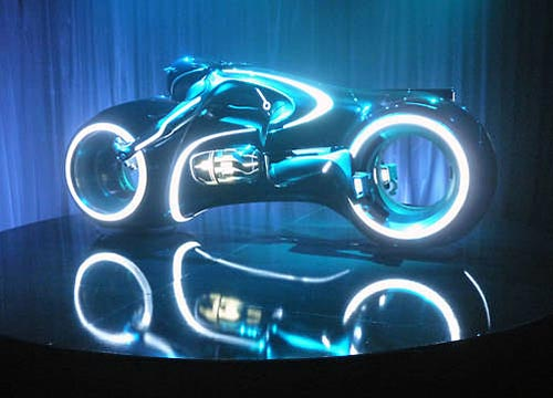 custom built light cycle  tron legacy gadgetsin