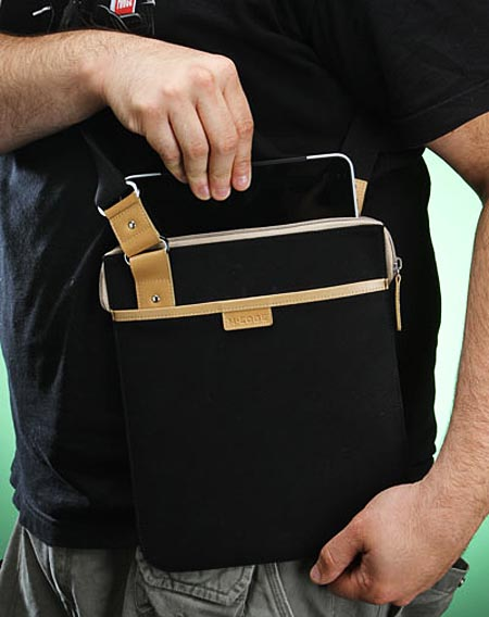 Messenger-Style iPad Hip Bag | Gadgetsin