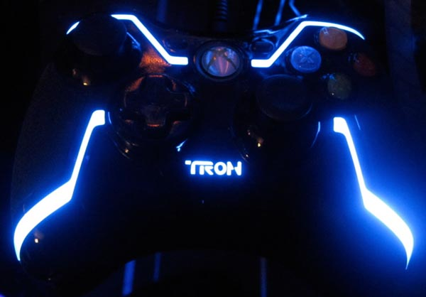 Tron Legacy Action Figures and Remote Control Light Cycle Unveiled