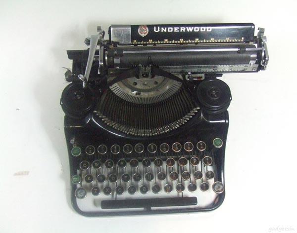 USB Typewriter Keyboard Compatible with iPad