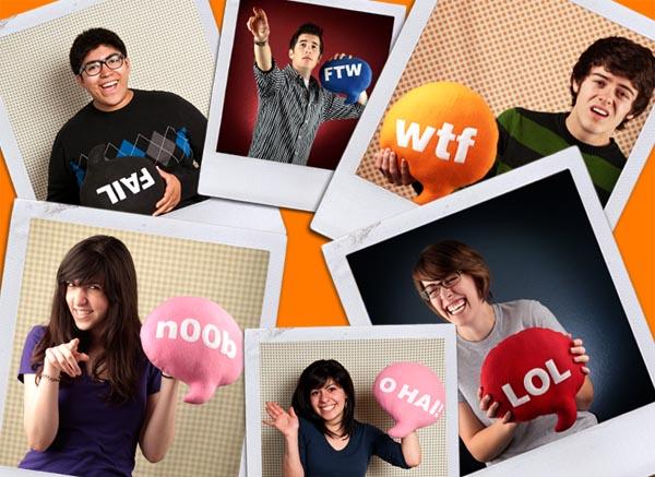 16 Chat Pillows Traversing Popular Internet Slangs