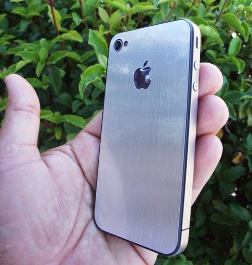 Aluminum iPhone 4 Wrap and Protective Cover
