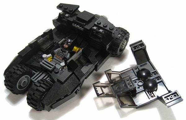 batman tumbler batmobile created with lego bricks gadgetsin. Black Bedroom Furniture Sets. Home Design Ideas