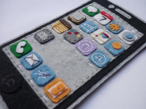 Handmade Felt iPhone 4 Case Showing iOS 4 Interface