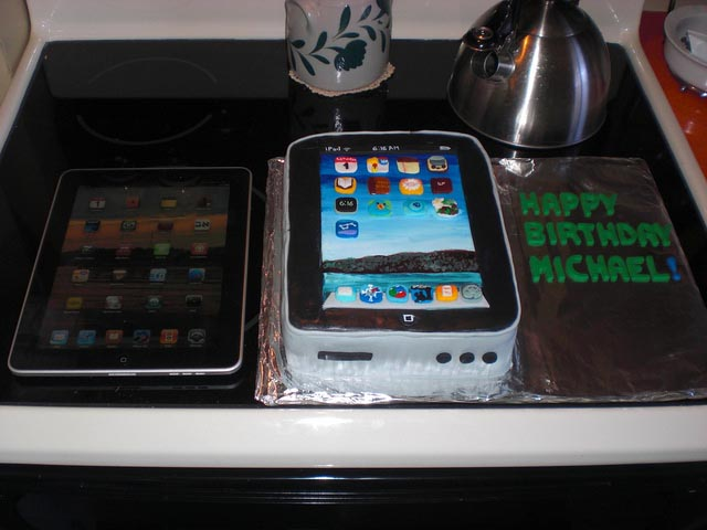 Delicious iPad Cake for Big Fan of iPad