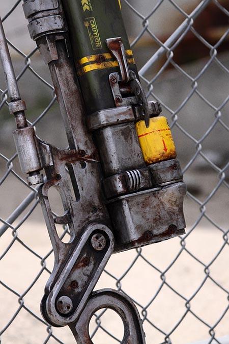 Fallout 3 Aer9 Laser Rifle Replica By Ryan Palser Gadgetsin