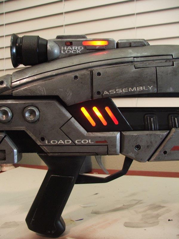 Mass Effect 2 M8 Avenger Assault Rifle Replica