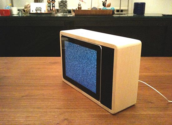 Retro TV Set Shaped iPad Dock
