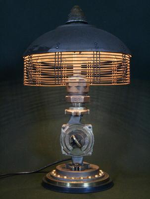 steampunk_styled_found_art_lamps_5.jpg