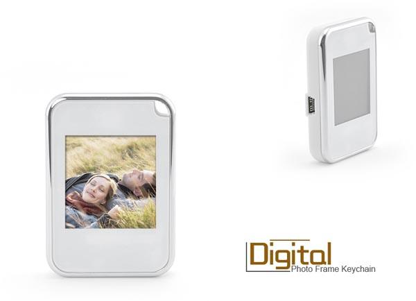 Digital Photo Frame Keychain
