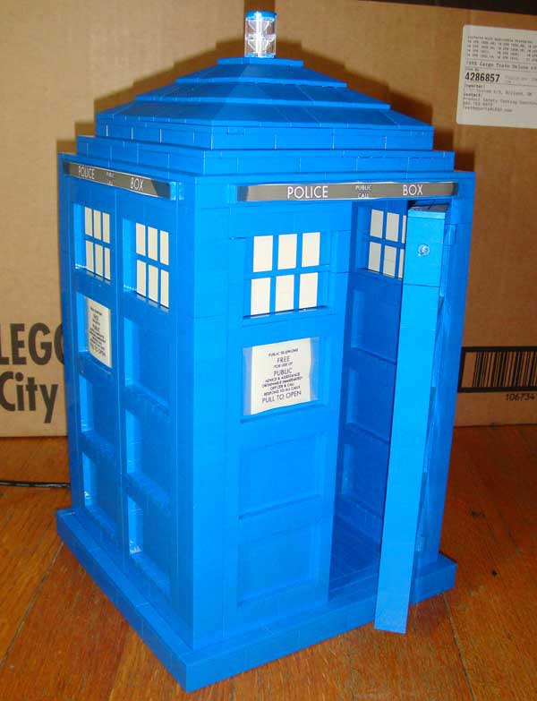 Doctor Who Tardis Made with LEGO Bricks