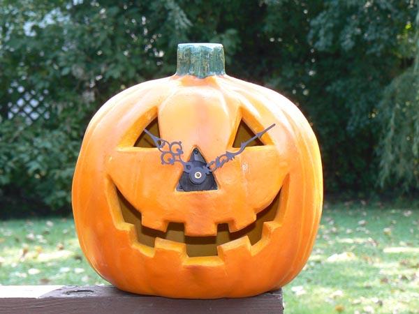 Halloween Countdown by Pumpkin Clock