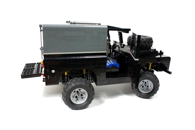 Build A Car >> Remote Control LEGO Land Rover | Gadgetsin