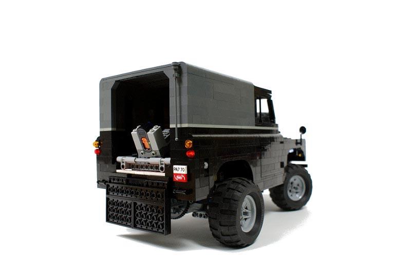New Range Rover >> Remote Control LEGO Land Rover | Gadgetsin