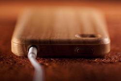 Miniot iWood iPhone 4 Wooden Case