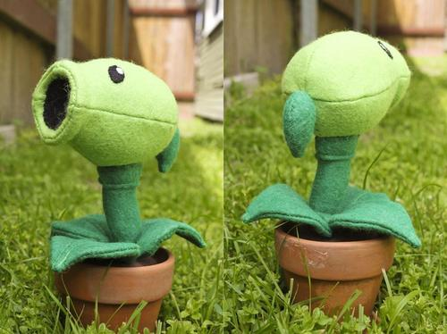 Plants vs Zombies Pea Shooter Plush Toy