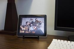 Ezzyl Five Dollar iPad Stand