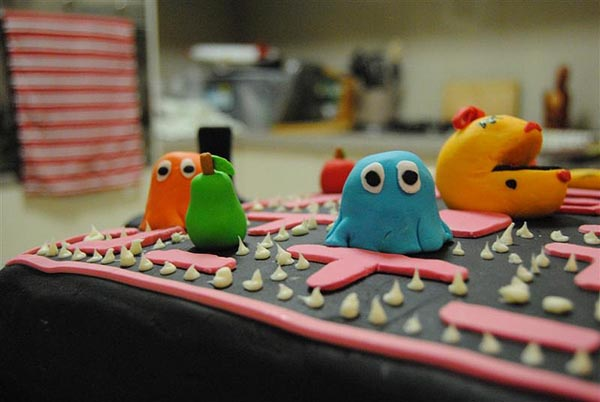Fantastic Ms Pacman Cake