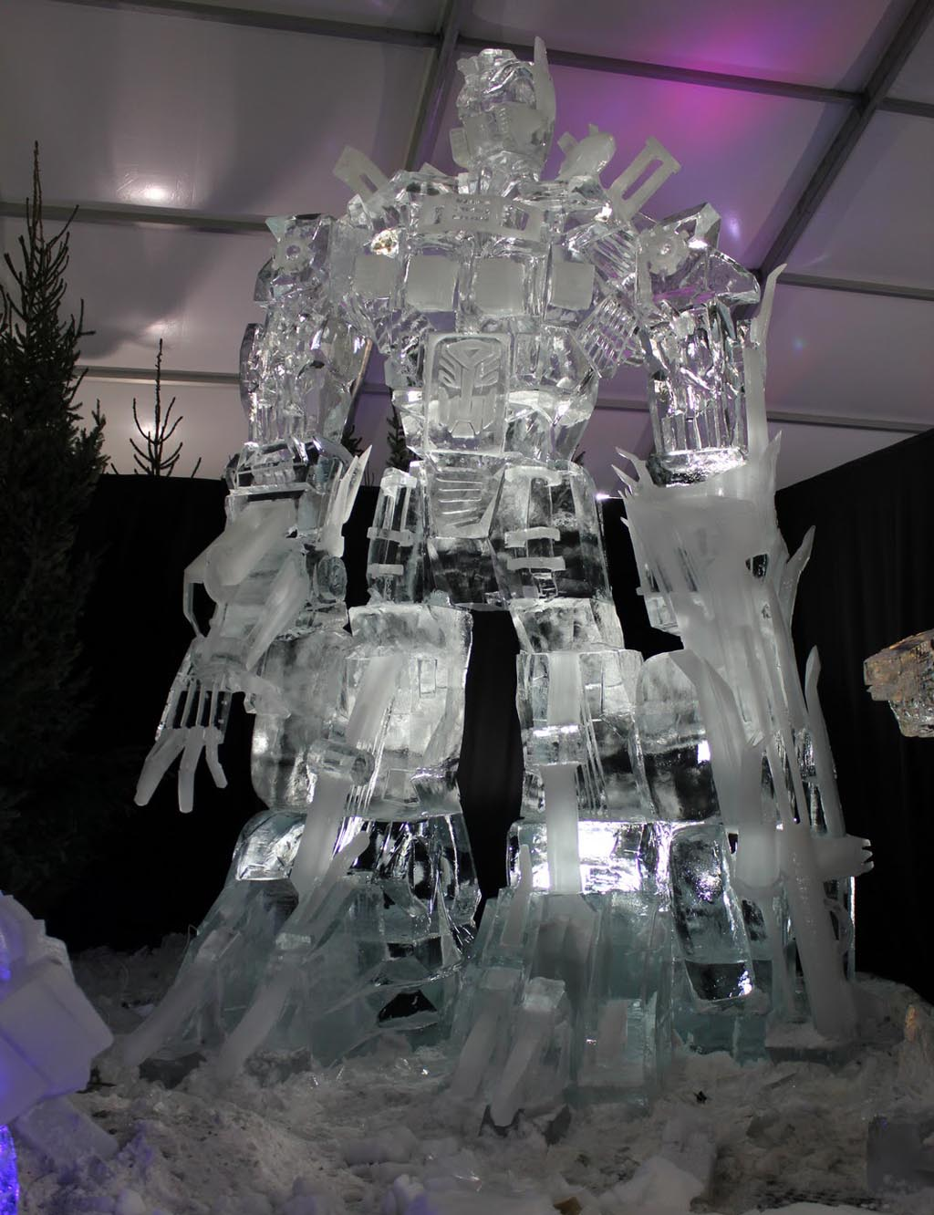 Giant Optimus Prime Ice Sculpture Gadgetsin