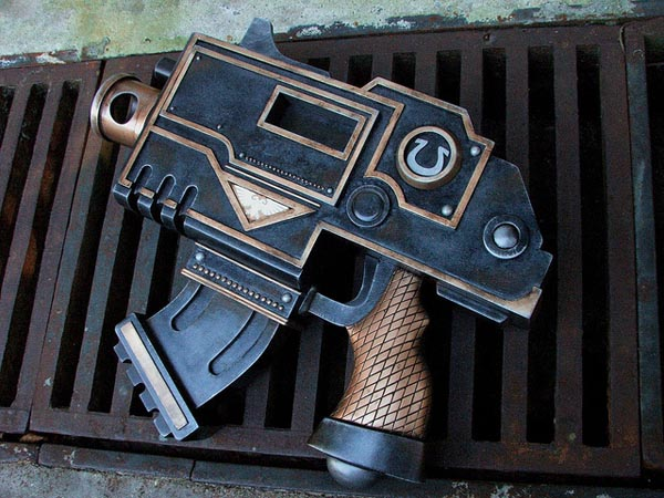 Warhammer 40k Bolt Pistol Replica from Ultramarines Movie