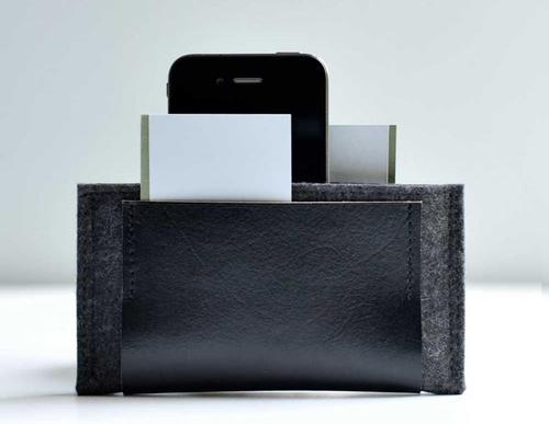 Handmade iPhone 4 Sleeve Doubled as Wallet